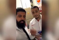 Un employé de SFR casse le téléphone d'un client qu'il n'aime pas