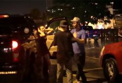 Une fille provoque un mec et implique son copain dans une bagarre