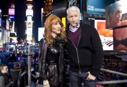 Kathy Griffin harcèle Anderson Cooper pour une fellation