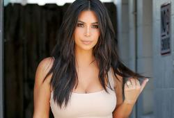 Kim Kardashian en balade dans les rues de Los Angeles