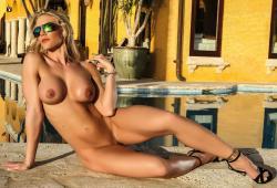 Michele Chevere nue pour le magazine Playboy Venezuela