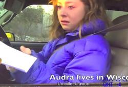 Au lieu d'une amende, elle reçoit un billet d'avion de la part d'un policier